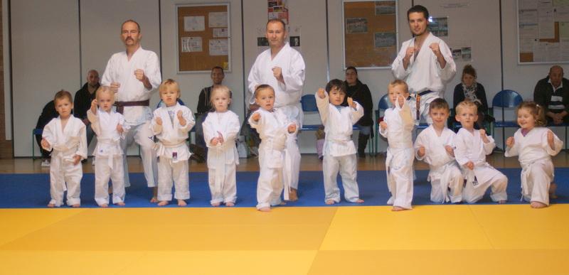 Groupe 3 à 4 ans baby karaté Gravelines
